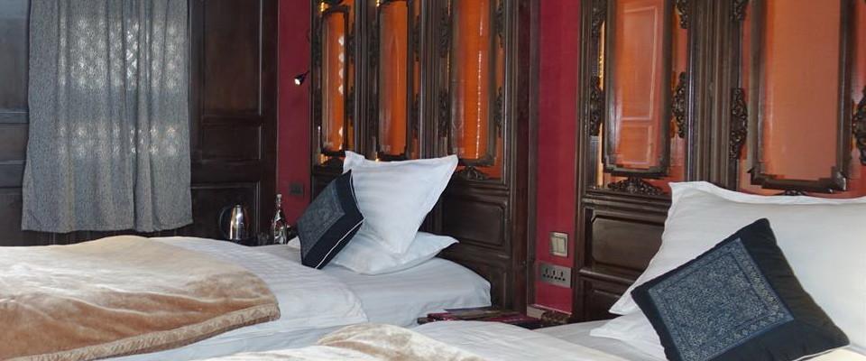 Shaxi Yunnan hotel room at Old Theatre Inn - Shaxi China