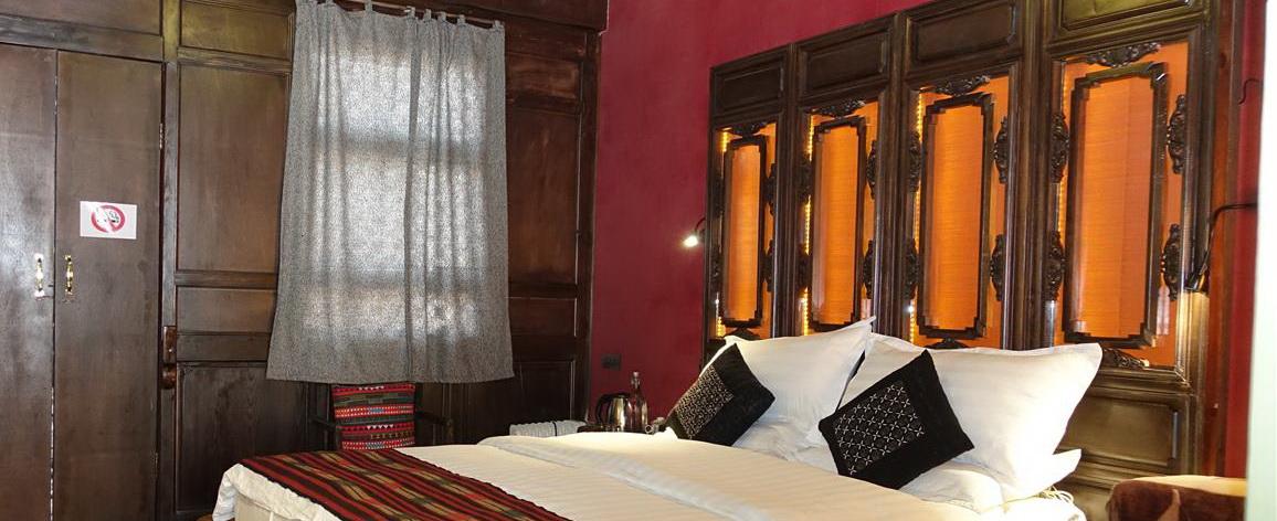 Shaxi inn guestroom - Old Theatre Inn - Yunnan China